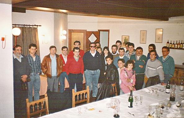 Sopar i assemblea de socis del Ràdio Club Osona, EA3RKO l'any 1988.
