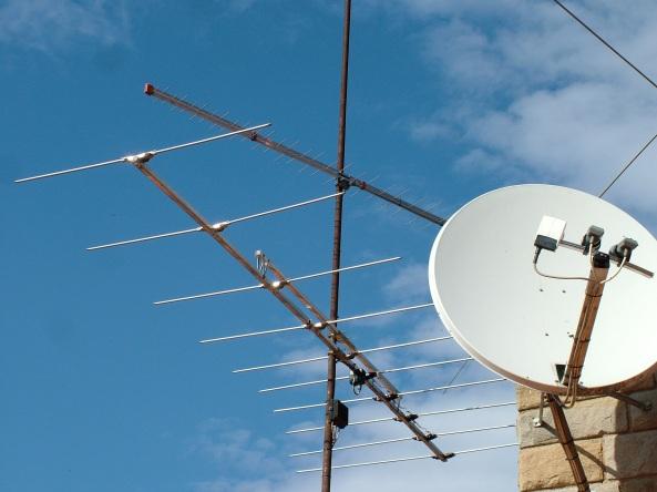 Antena FM (Direccional 10 elements, 87,5-108 MHz.)